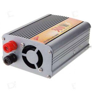 Инвертор за кола 12->220В 300W